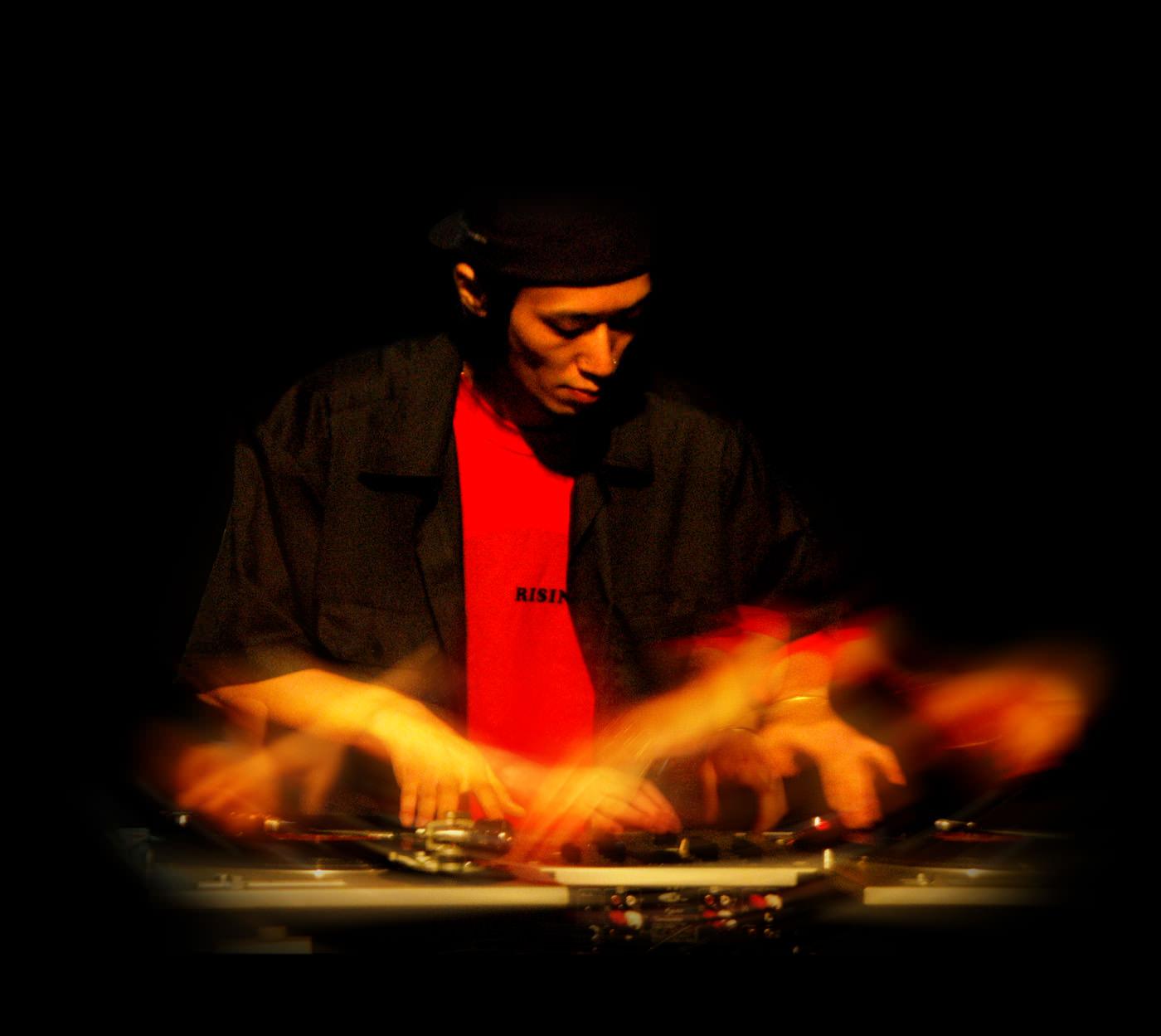 DJ_AKAKABE